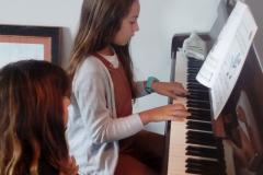 LOLA-Y-DANILEA-GUIAS-10-2019jpg